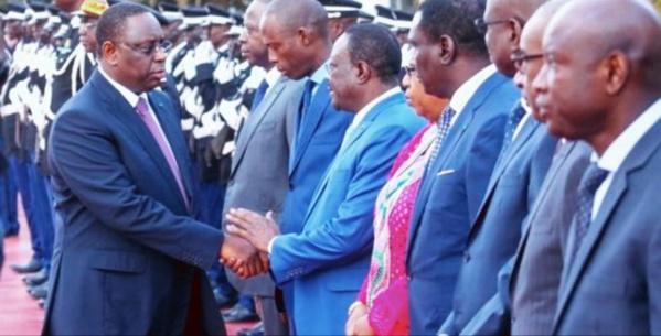 Macky Sall vide le palais de ses ministres d'Etat...