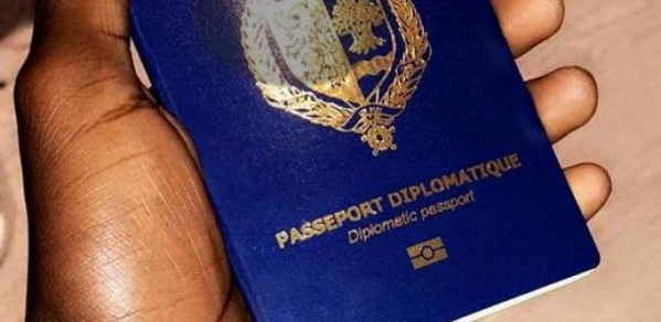 Passeports diplomatiques : Macky Sall met fin à la pagaille
