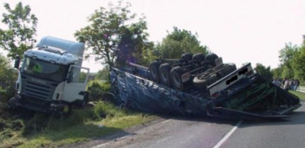 Drame à Nioro : La collision entre un camion et un mini-car fait 5 morts
