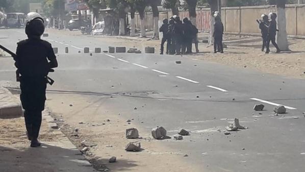 Pétrole / Gaz : Revivez les affrontements entre manifestants et forces de l'ordre