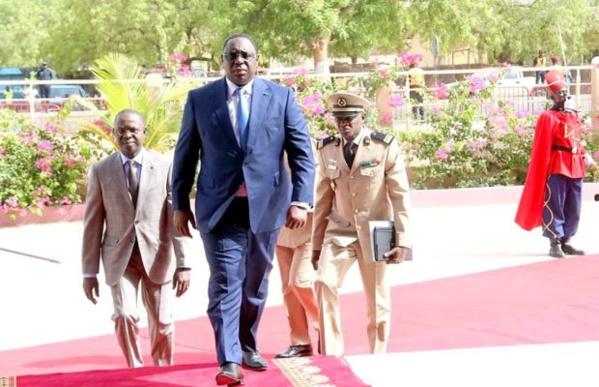 Macky Sall reprend les conseils des ministres décentralisés