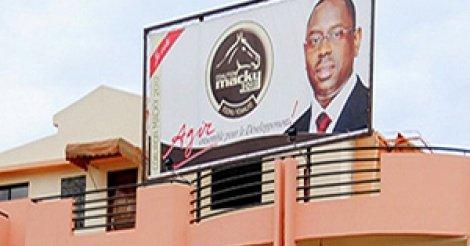 """Barth: """"Le siège de l'Apr sera transformé en maison des jeunes de Dakar après la chute de Macky..."""""""