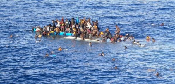Immigration : Une autre pirogue se renverse en mer, seuls 39 migrants repêchés !
