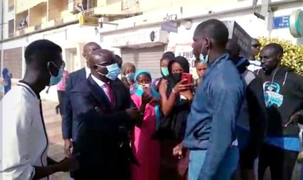 Manif à l'UCAD: Idrissa Seck  débarque et réussi à calmer les étudiants en colère