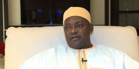 Gambie : Vingt-deux condamnations à mort commuées en peines de réclusion à perpétuité.