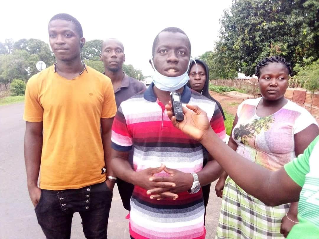 KAOUR : Les jeunes de Pontodoss réclament l'électricité.