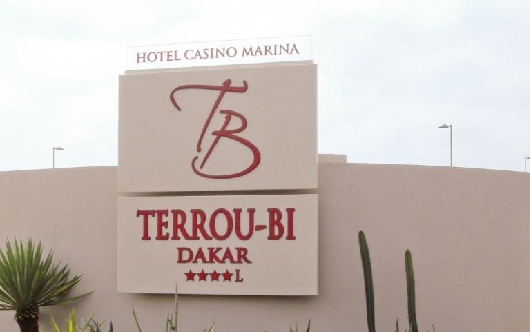 Plus de 150 travailleurs du l'hôtel Terrou--Bi licenciés