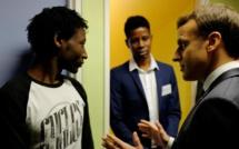 Migrants: à Calais, Macron affiche son soutien aux forces de l'ordre
