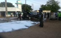 Nguéniène : Le véhicule de Macky prend feu, le président extirpé...