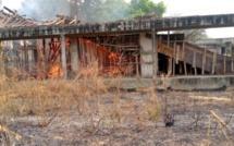 Ziguinchor : Un incendie déclaré sur un chantier de l'université Assane Seck