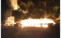 Kolda : Un violent incendie ravage un atelier de menuiserie et une case à Saré-Moussa